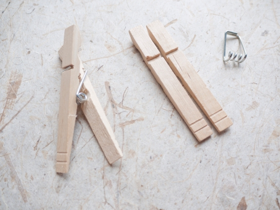 How to take apart a clothespin
