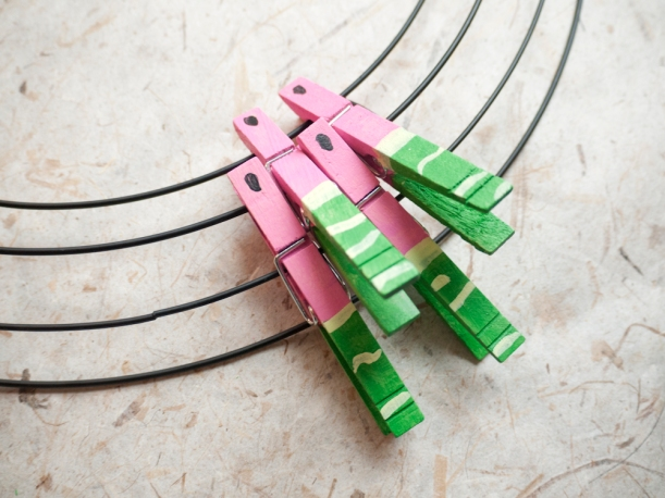 How to put on your clothespins